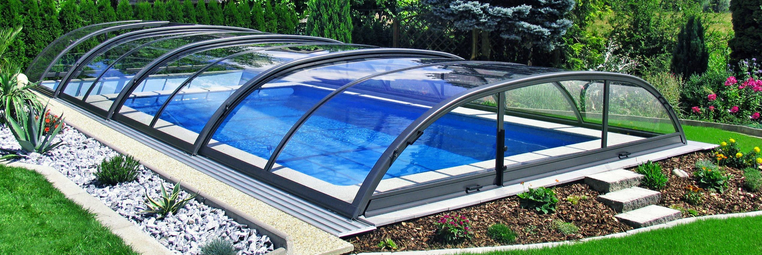 hero-pool-enclosure-elegant-03